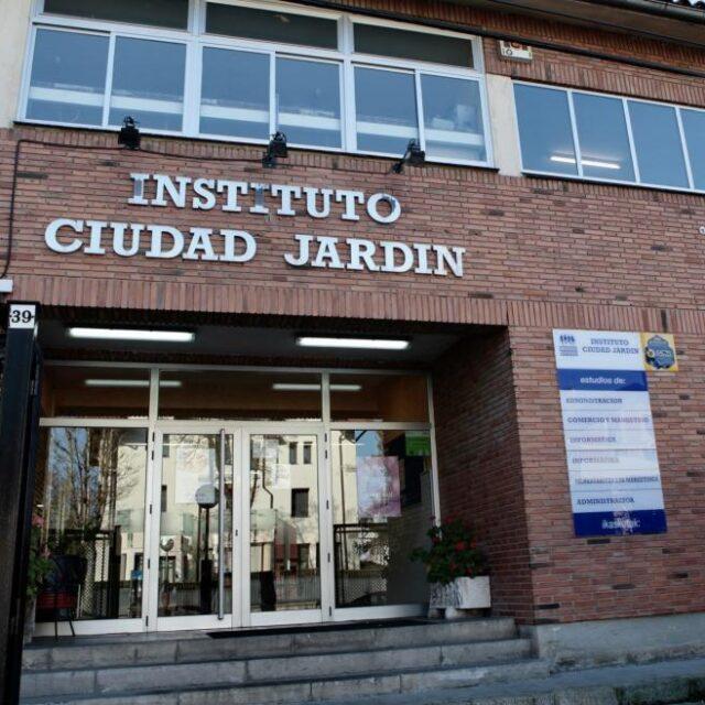 http://www.zumabideciudadjardin.com/wp-content/uploads/2021/06/C.I.F.P.-Ciudad-Jardin-L.H.I.I.-640x640.jpg